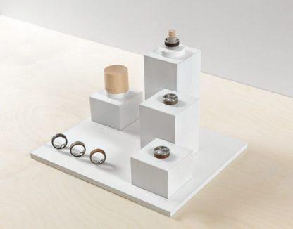 Подставка Служит для презентабельного расположения продукции на витрине